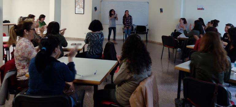 CLARA, un programa per a apoderar les dones il·licitanes