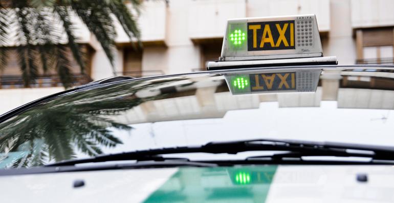 El servei d'Elx Taxi completa el mapa del transport públic a Elx