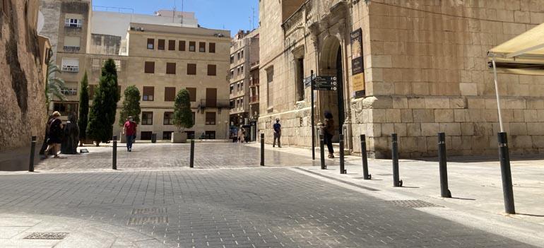 Prioridad a los peatones en el casco urbano